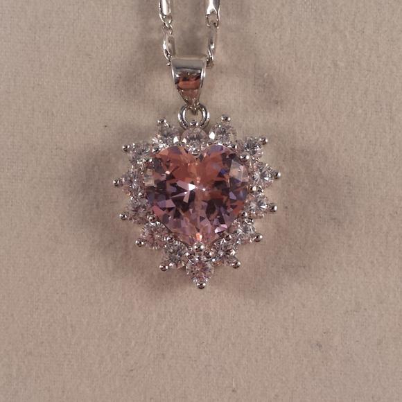 Jewelry - 18K White Gold Heart Pink Topaz Zircon Necklace